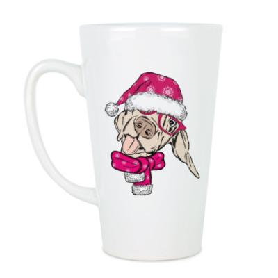 Чашка Латте Собака Санта показывает язык