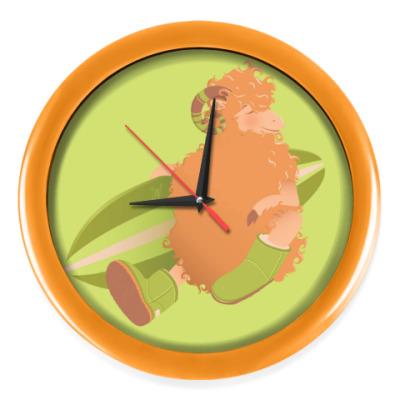 Настенные часы Animal Fashion   U is for 'Uggs' on merinos