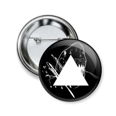 Значок 50мм 'Triangle'