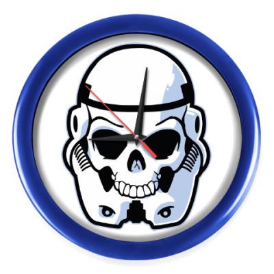 Настенные часы Trooper Skull