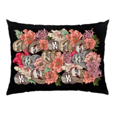 Подушка Ленивцы в цветах