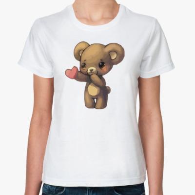 Классическая футболка Медвежонок дарит сердечко