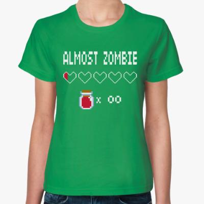 Женская футболка Почти Зомби