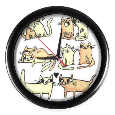 Настенные часы Влюбленные коты