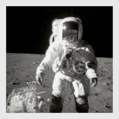 Постер Исследование грунта Луны