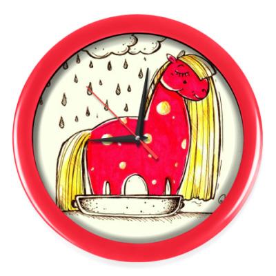 Настенные часы Купание красной коняшки