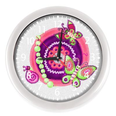 Настенные часы бабочки-черепушки