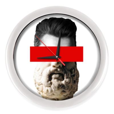 Настенные часы Без глаз