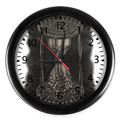 Настенные часы Готика