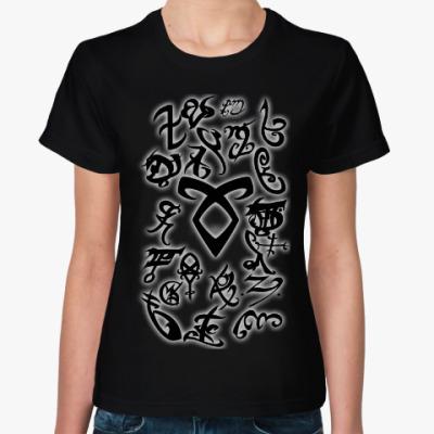 Женская футболка Руны