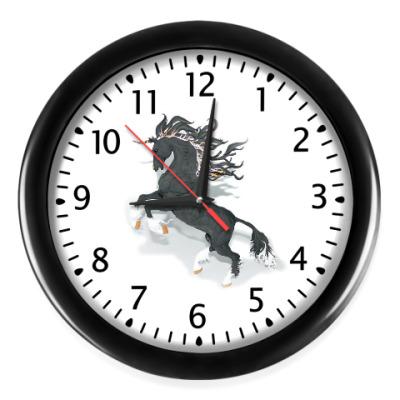 Настенные часы жеребец
