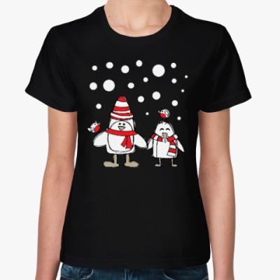 Женская футболка Пингвины и снегири в Новый год