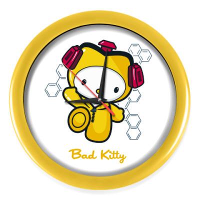 Настенные часы Bad Kitty