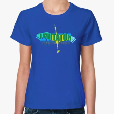 Женская футболка LEVITATOR