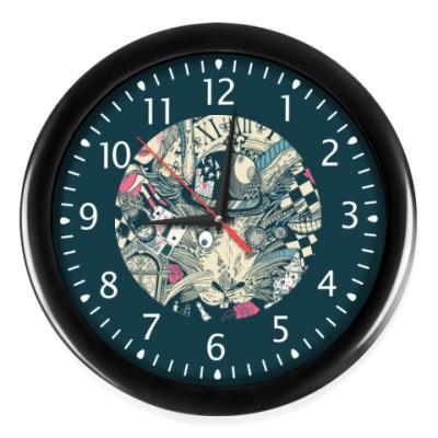 Настенные часы Алиса в стране чудес