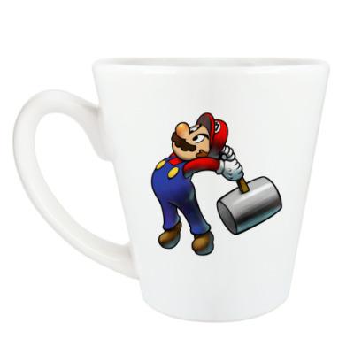 Чашка Латте Марио бъет тебя по пальцам