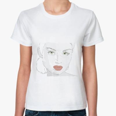 Классическая футболка эффектная блондинка
