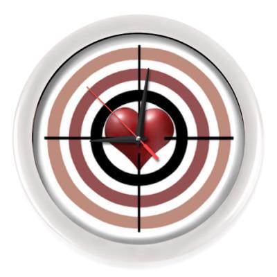 Настенные часы Сердце под прицелом