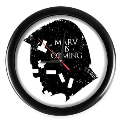 Настенные часы Марв близко