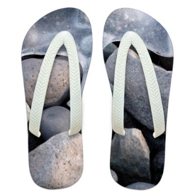 Шлепанцы (сланцы) Лед на камнях