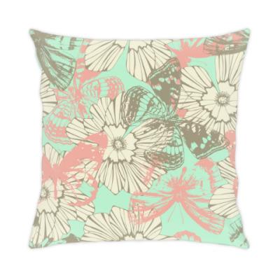 Подушка бабочки и цветы
