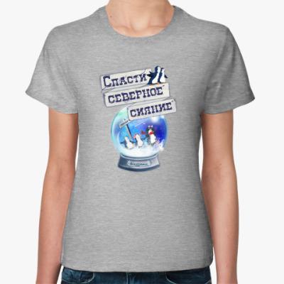 Женская футболка Елка на воде