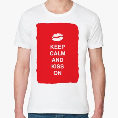 Футболка из органик-хлопка Keep calm and kiss on