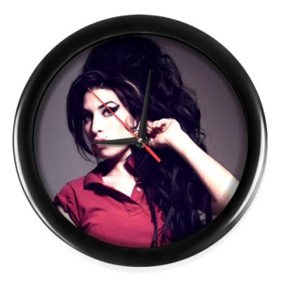 Настенные часы 'Amy Winehouse'