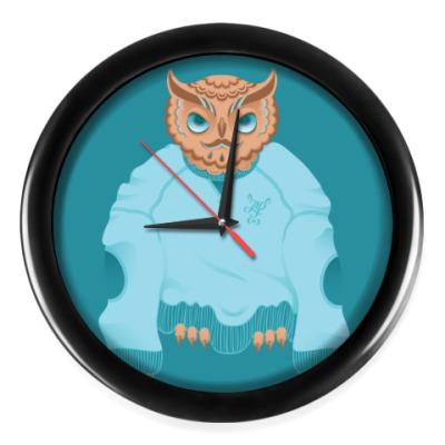 Настенные часы Animal Fashion | O is for Owl in Oversized sweater