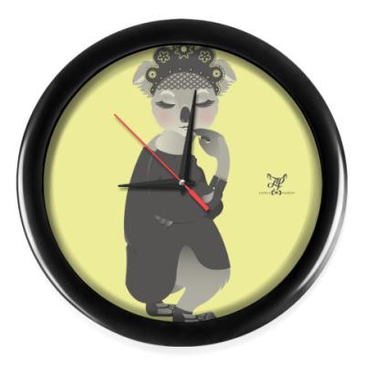 Настенные часы Animal Fashion |  K is for Koala in Kokoshnik