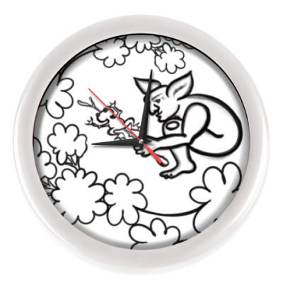 Настенные часы Задумчивый тролль