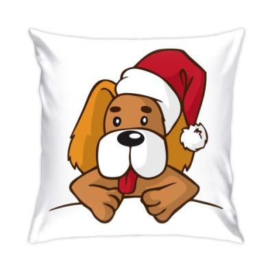 Подушка собака в рождественской шапке