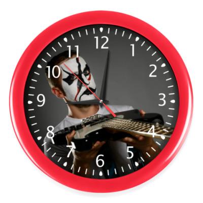 Настенные часы Часы, красные (белые цифры)