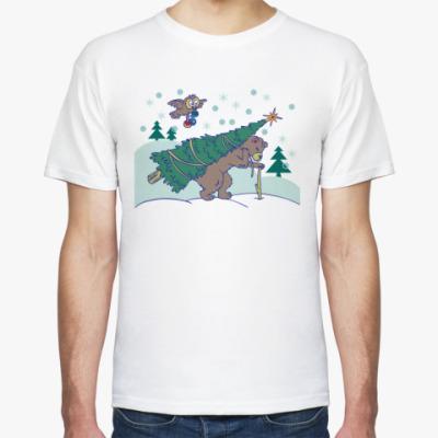Футболка медведь несет рождественскую елку иллюстрация